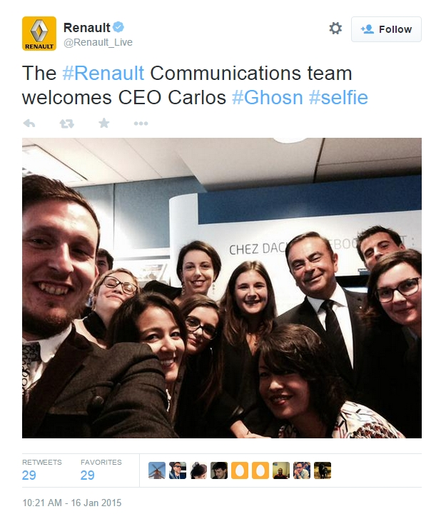 Reverse mentoring : this selfie might be a sign of your digital transformation!